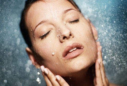 woman-hydrating-skin-image